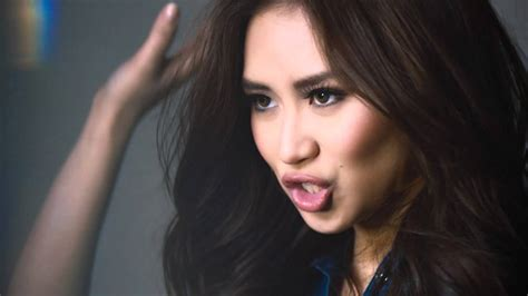 sarah geronimo latest pictures sarah geronimo gets the look with jag jeans hello asia