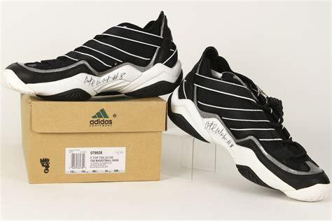 walker boston lot detail 1996 antoine walker boston celtics signed adidas shoes jsa
