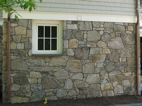 house rock siding best 25 stone veneer exterior ideas on pinterest diy exterior veneer faux stone