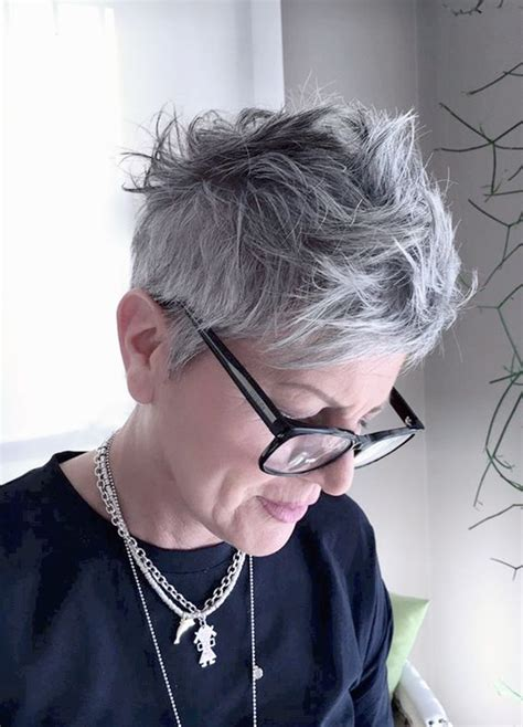 Hairstyles For 60 With Glasses by Hairstyles For 60 With Glasses
