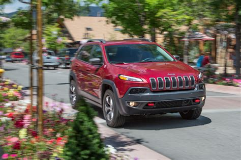 first jeep cherokee 2014 jeep cherokee first drive motor trend