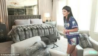 jenners gives fans an intimate tour of bedroom