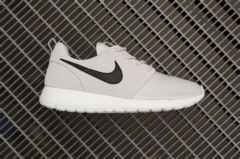 Nike Waffle 09 Suede nike roshe run suede light grey the sole supplier