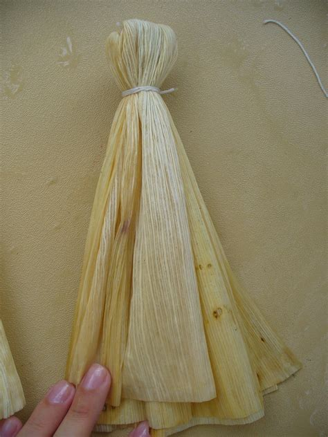 corn husk dolls world turn d how to make corn husk dolls