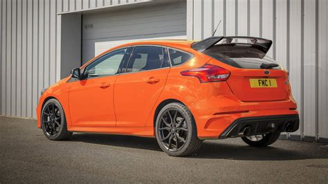 prezzo bid 2018 ford focus rs heritage edition is an orange swan song