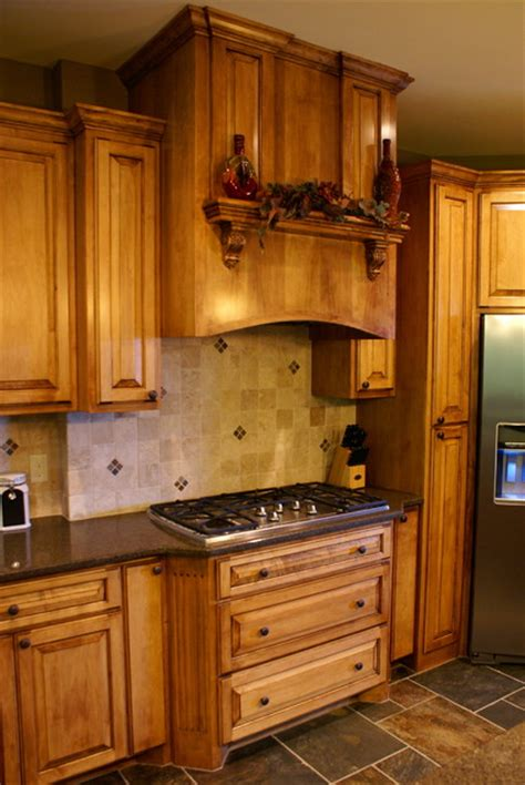 Custom Maple Cooktop Cabinets   Traditional   Kitchen