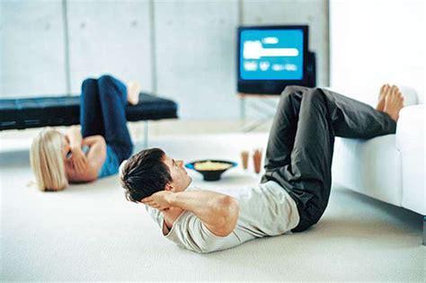 sport zuhause machen ohne geräte am abend sp 228 tsport mit sofa fit for