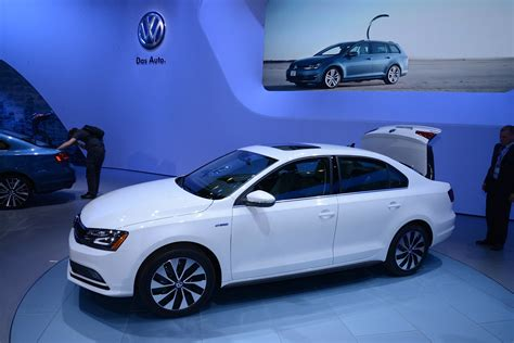 Golf R New York Auto Show by Updates 2015 Vw Jetta Joins New Golf Gti And R In New York