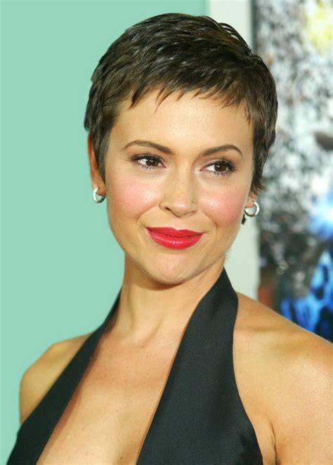 How To Style A Pixie To A Fringe Cut | pretty pixie cut with edgy piecey fringe alyssa milano