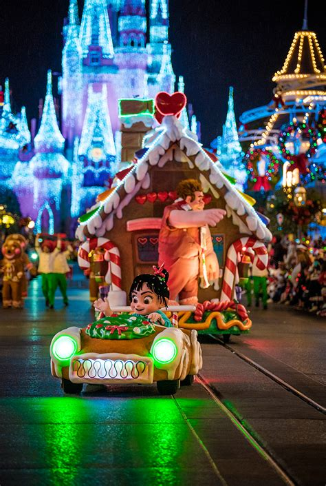 mickey s very merry christmas party recap review