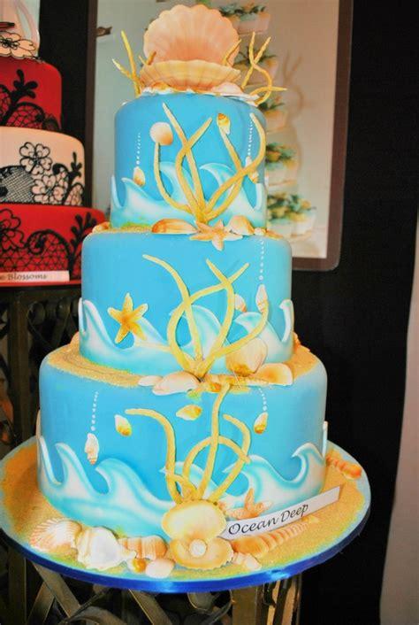 Wedding Cake Goldilocks by Why Choose A Goldilocks Wedding Cake Goldilocks