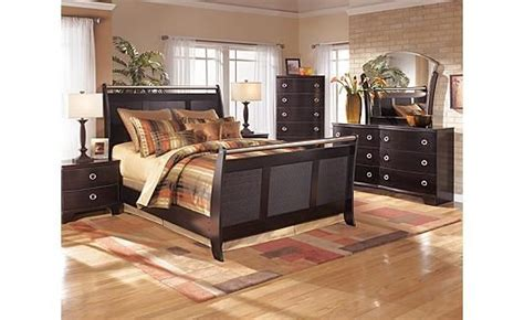 pinella bedroom set 23 best images about dreamy master bedrooms on pinterest savannah canopy beds and storage