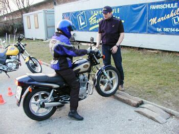 Ab Wann Kann Man Im Frühjahr Motorradfahren by 125er Upgrade A Schein Mopedmaedl Gibt Gas Motorrad News