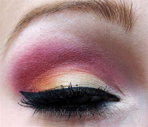 Eyeshadow Viva Orange trickmetolife fotd gold