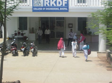 Top Mba Colleges In Bhopal With Fee by Rkdf Bhopal Admissions 2016 Ranking Placement Fee