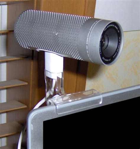 apple isight apple extends isight name to iphone 4s and iphone 4 rear