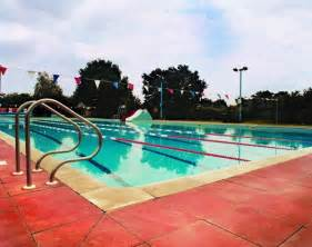 swimming pools lidos and outdoor swimming pools in london swimming in london in summer 2017 time out things