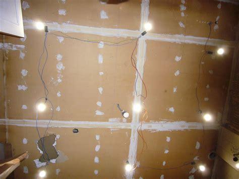 implantation spot plafond mon projet de salle de bain complet 305 messages