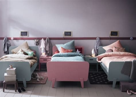 triplets in their bedroom 20 efficent solutions for decorating triplet bedroom