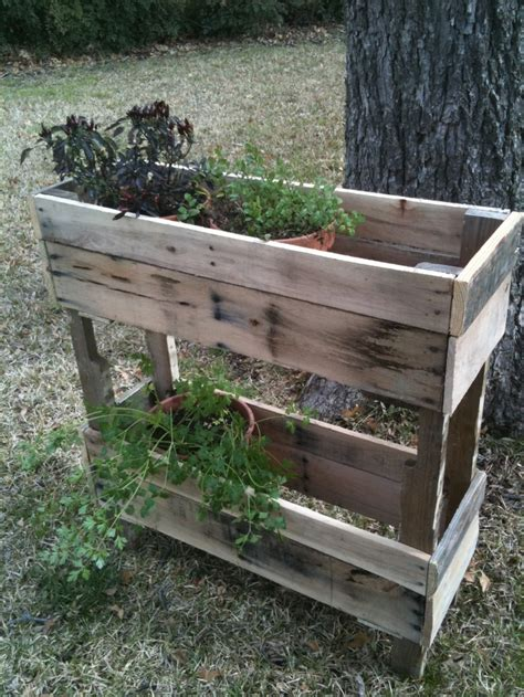 Wooden Herb Planter Box by Pallet Wood Herb Planter Gardening Tips For Not So Green Thumb Pallet Planter