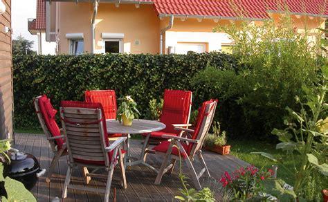 garten und terrasse sichtschutz f 252 r garten und terrasse tipps hornbach