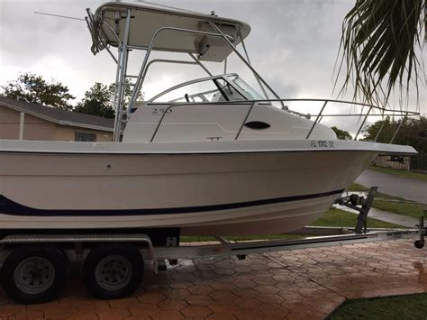 Cuddy Cabin Boat For Sale by 2001 Used Cobia 25 Cuddy Cabin Boat For Sale 21 000