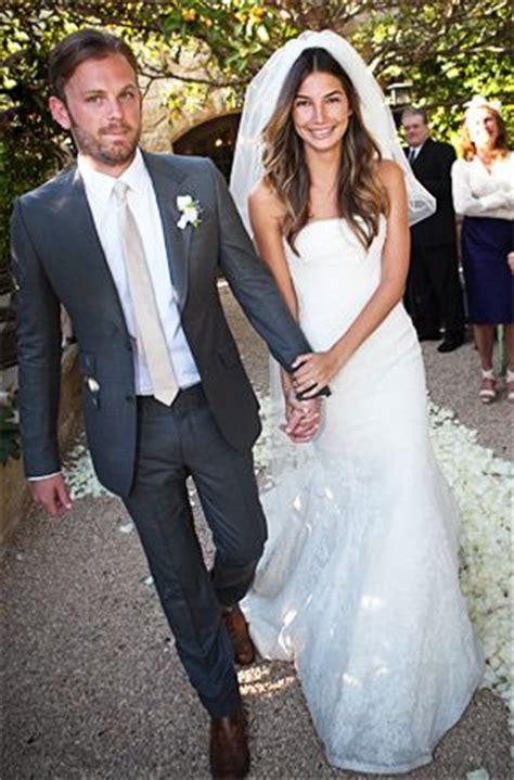30 trajes de novio modernos, clásicos e increíbles para bodas