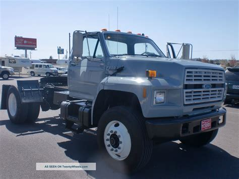 Ford F 800 Operating Manual