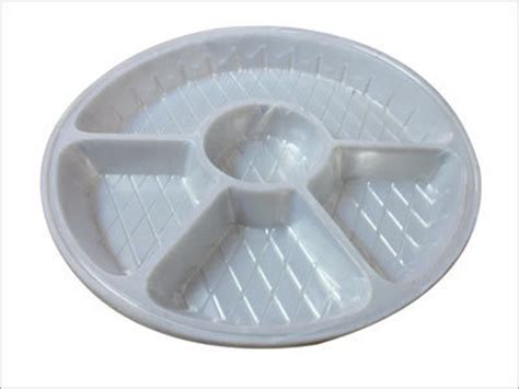 disposable sectioned plates divided plastic disposable plate divided plastic