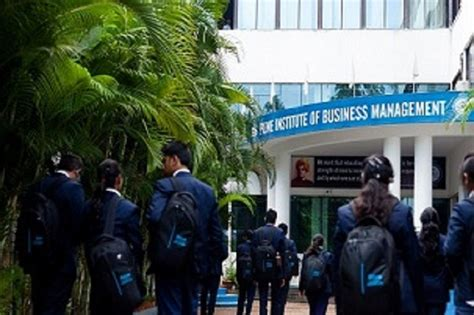 Spicer College Pune Mba by Master In Business Administration Mba At Pune Institute