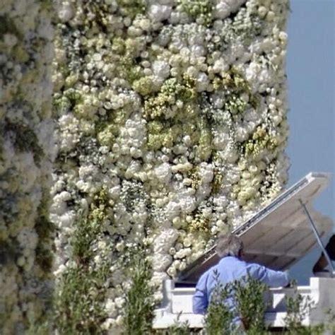 flower wall kim kardashian wedding kim kardashian kanye west s wedding through the eyes of