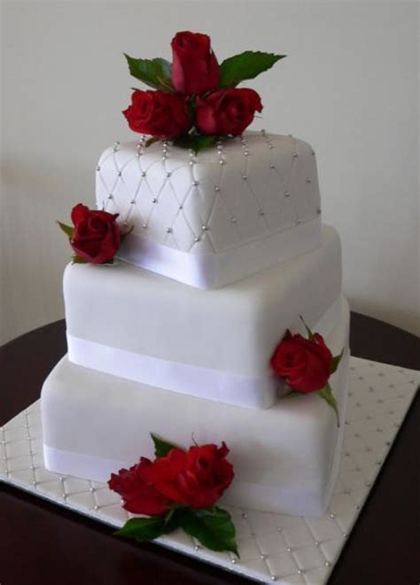 Image Of Three Tier White Wedding Cake With Fresh Red Roses   Fondant Cake Images