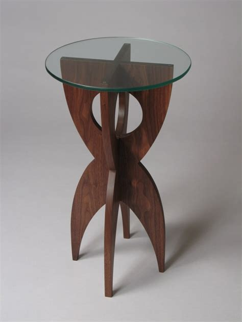 contemporary end table with round glass top by David