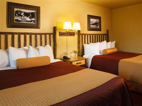 Hotel Rooms In Jackson Wyoming by Elk Country Inn Jackson Lodging