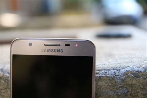Led Samsung J5 A Notification Led Has Finally Made Its Way To Non Flagship Samsung Smartphones Sammobile