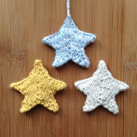 star pattern in knitting 11 festive free knitted christmas ornaments