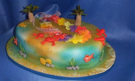 bizcocho decorado hawaiano ponque fiesta hawaiana ponque decorado con modelo fiesta