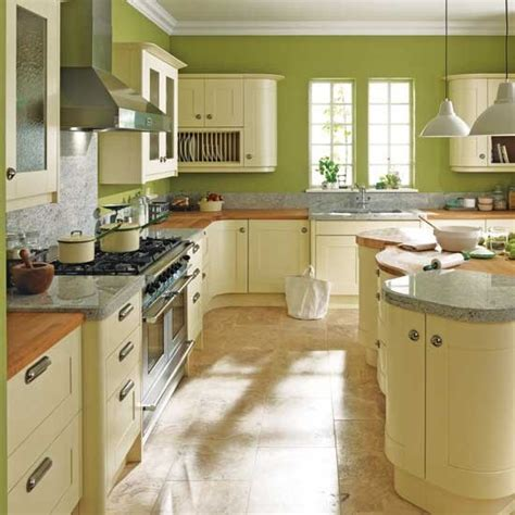 bold green kitchen traditional kitchens housetohome co uk