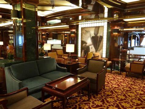 regal princess bars and lounges on the regal princess cruise ship