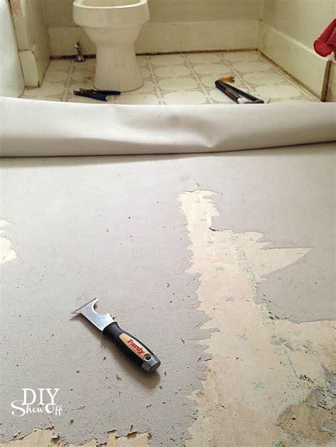 Remove Vinyl Flooring by Removing Kitchen Vinyl Floor Tiles How To Remove Vinyl