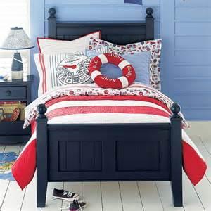 maritimes schlafzimmer schlafzimmer in wei 223 und blau einrichten nautical bedrooms nautical bedrooms theme bedrooms nautical style jpg