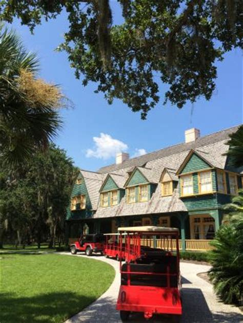 moss cottage and the tour tram picture of jekyll island