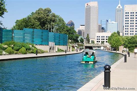 paddle boats on the canal indianapolis indiana