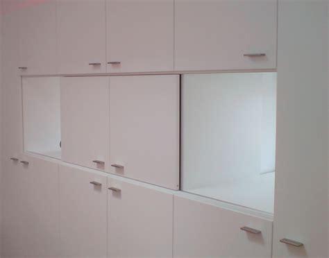 Systemschrank Schlafzimmer by Kleiderschrank Mit Led Beleuchtung Und Tv Fach