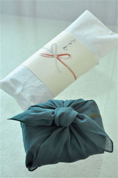 japanese gift wrap 24 best furoshiki japanese cloth for wrapping carrying