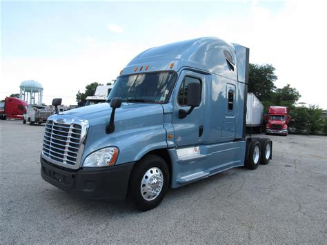 used volvo semi 100 volvo truck dealership toronto volvo daycabs