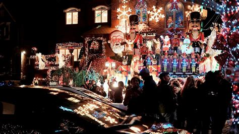 brooklyn heights christmas lights dyker heights christmas lights meet the brooklyn locals