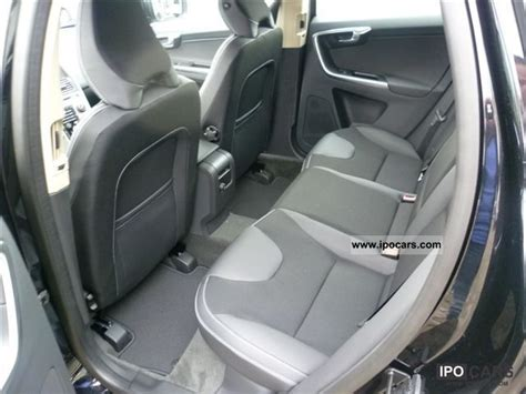 volvo xc  awd aut momentum winter business paket car photo  specs
