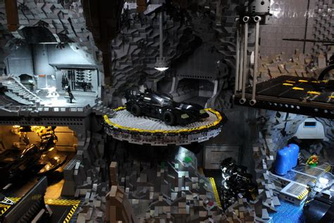 Check Out This Awesome Batcave Made Out Of 20,000 LEGO Blocks