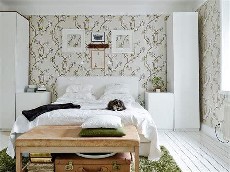 bedroom benches with storage ikea between sleepscom ideas decorar con papel de pared floral y en simetr 237 a blog